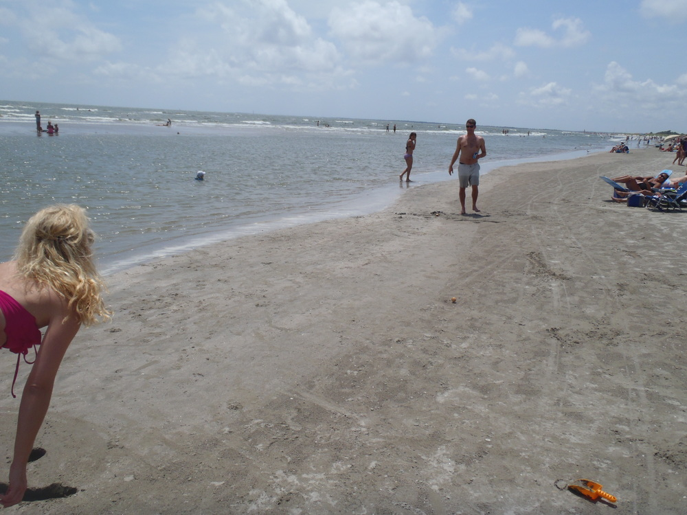 TidalBall_Bikini_Beach_Game_Cute_Cirls_Will_Play_With_You.JPG