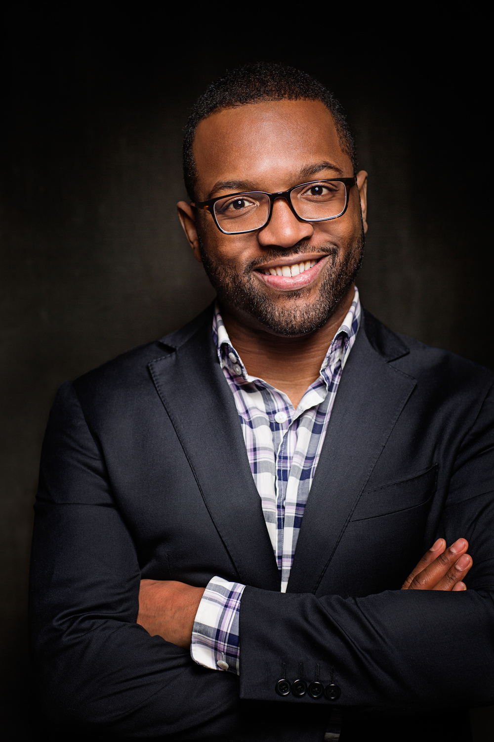 Baratunde Looking Like An Anchor (Color) high resolution