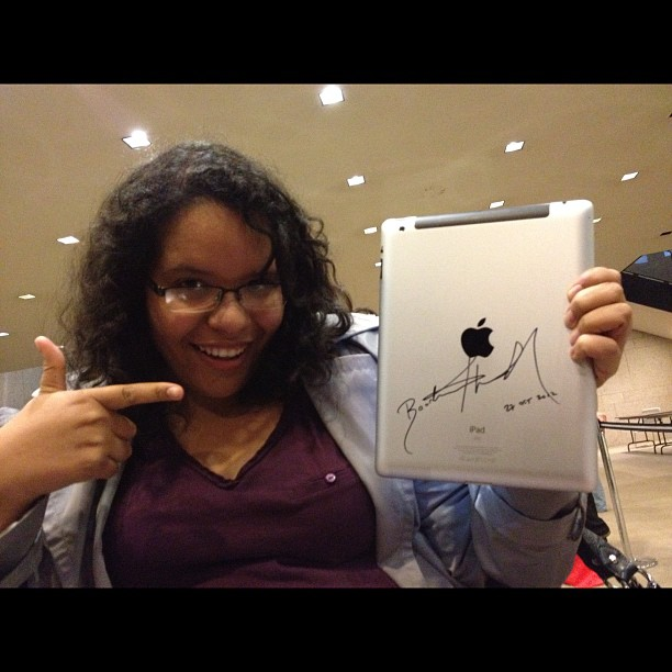 I just signed @ePubPupil's actual iPad cause she bought the #howtobeblack #ebook #bbf12