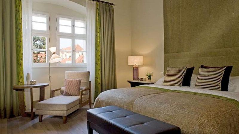 hotel-ref-2.jpg