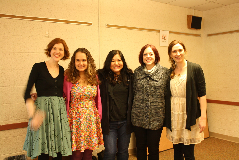 Stephanie Perkins, Jessica Spotswood, Ellen Oh, Victoria Schwab and me at the Bethesda Library. It's true, Stephanie has a ghost for a hand.