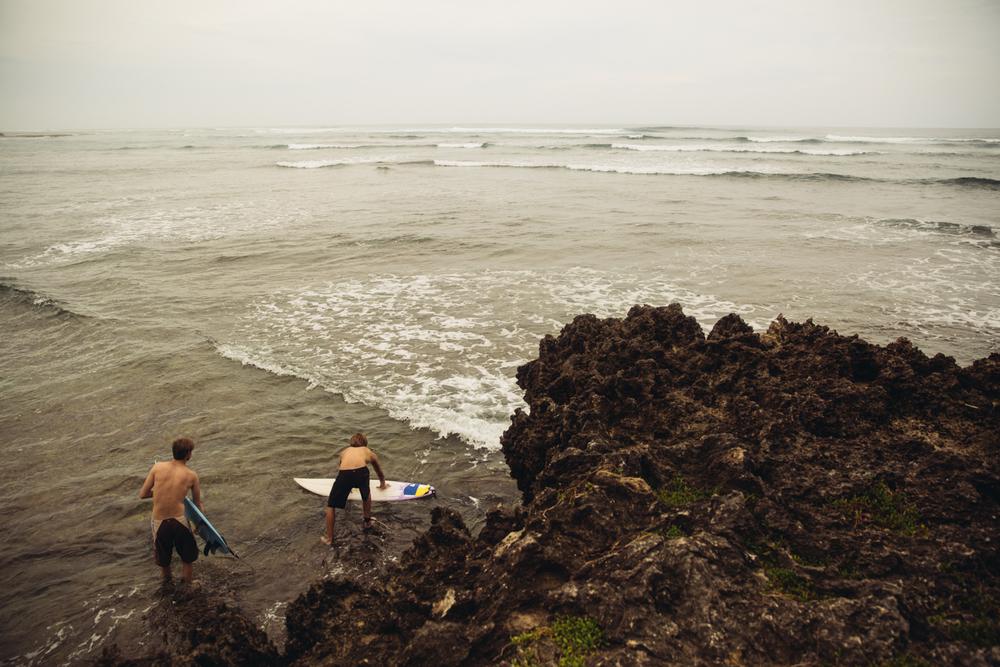 Surfers (18 of 12).jpg