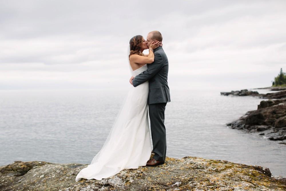 Duluth-Minnesota-North-Shore-Wedding-photographer-russell-heeter_0029.jpg