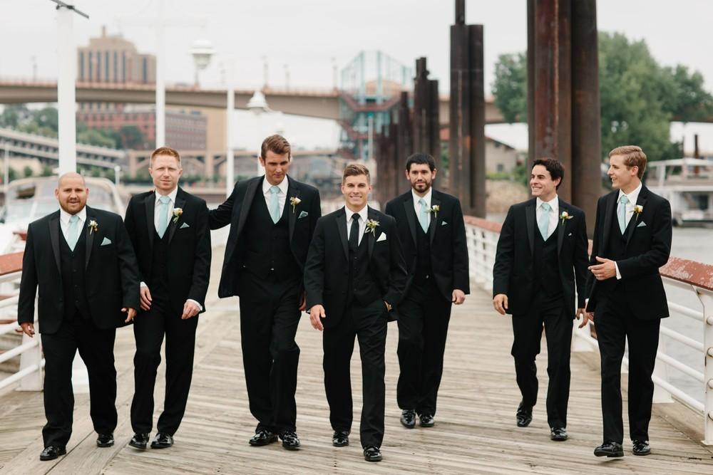 Minnesota_Wedding_Photographer_Russell_Heeter_0023.jpg
