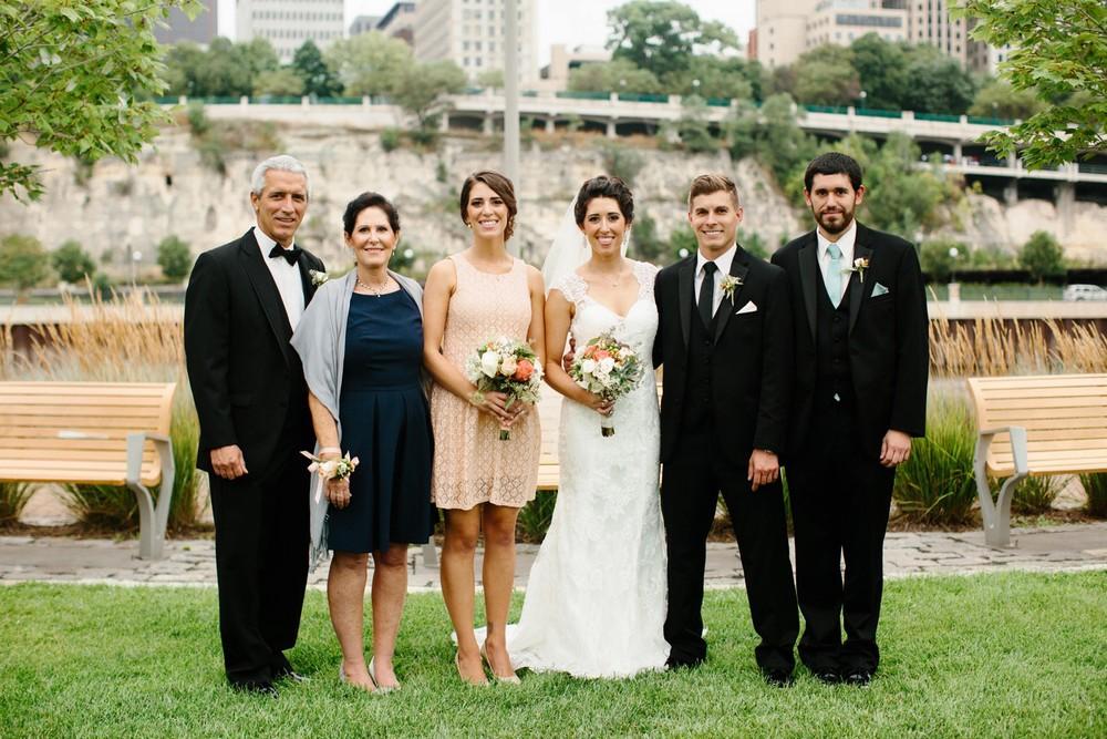 Minnesota_Wedding_Photographer_Russell_Heeter_0038.jpg