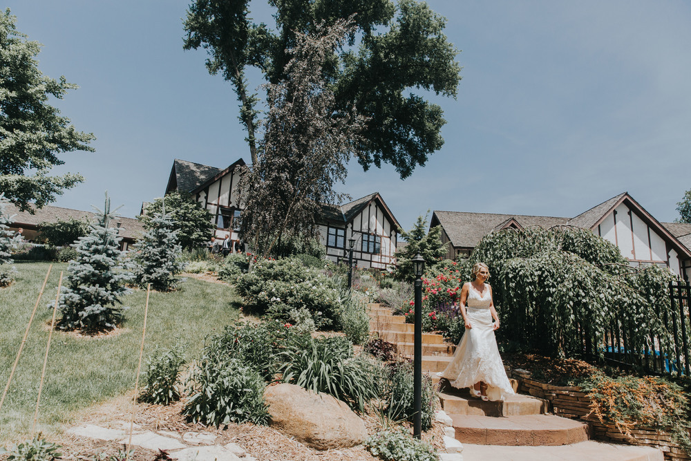 Lindsay+Lance_WeddingPreview_WoodsChapel_RussellHeeterPhotography-5.jpg