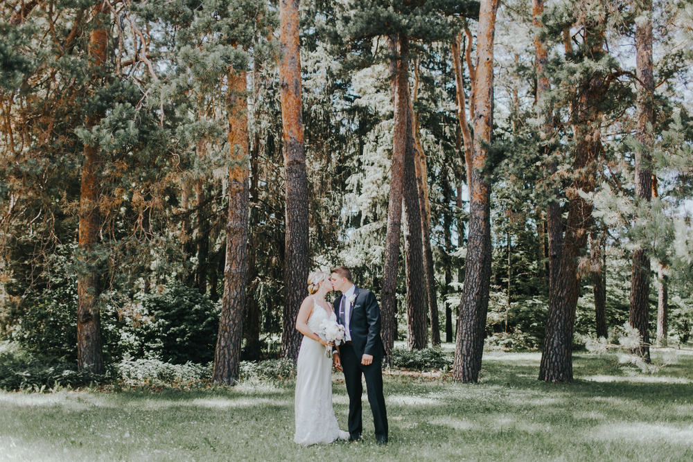 Lindsay+Lance_WeddingPreview_WoodsChapel_RussellHeeterPhotography-13.jpg