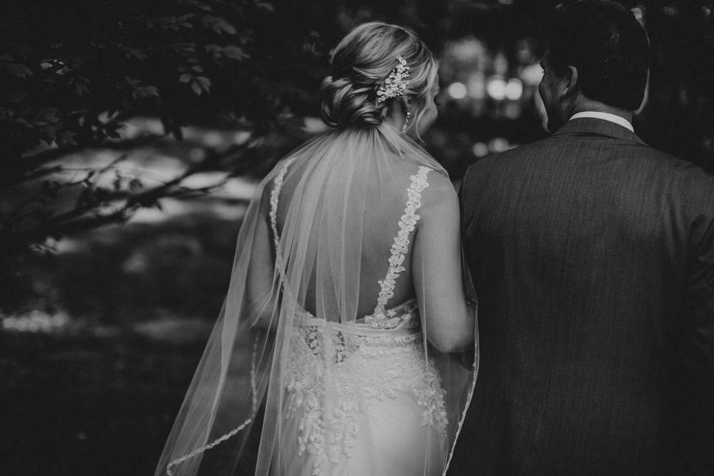 Lindsay+Lance_WeddingPreview_WoodsChapel_RussellHeeterPhotography-56.jpg