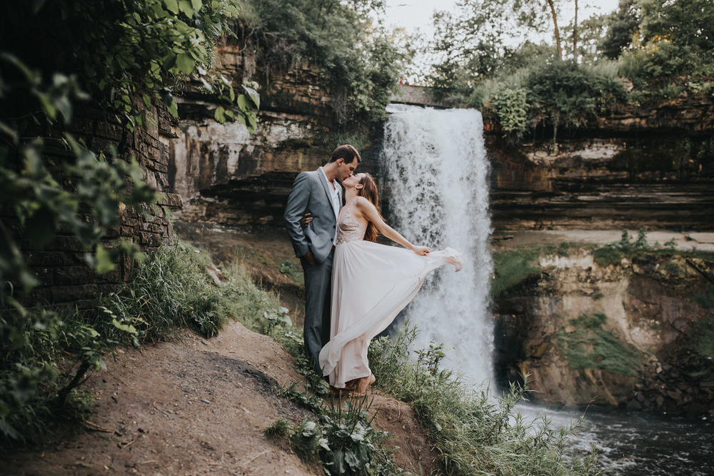 Minnehaha Falls Engagement Session Russell Heeter Photography
