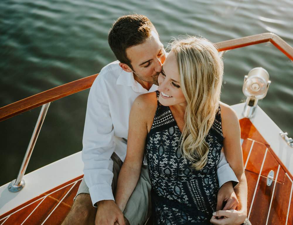Carrie+ChadEngagementSession_LakeMinnetonka_RussellHeeterPhotography-135.jpg