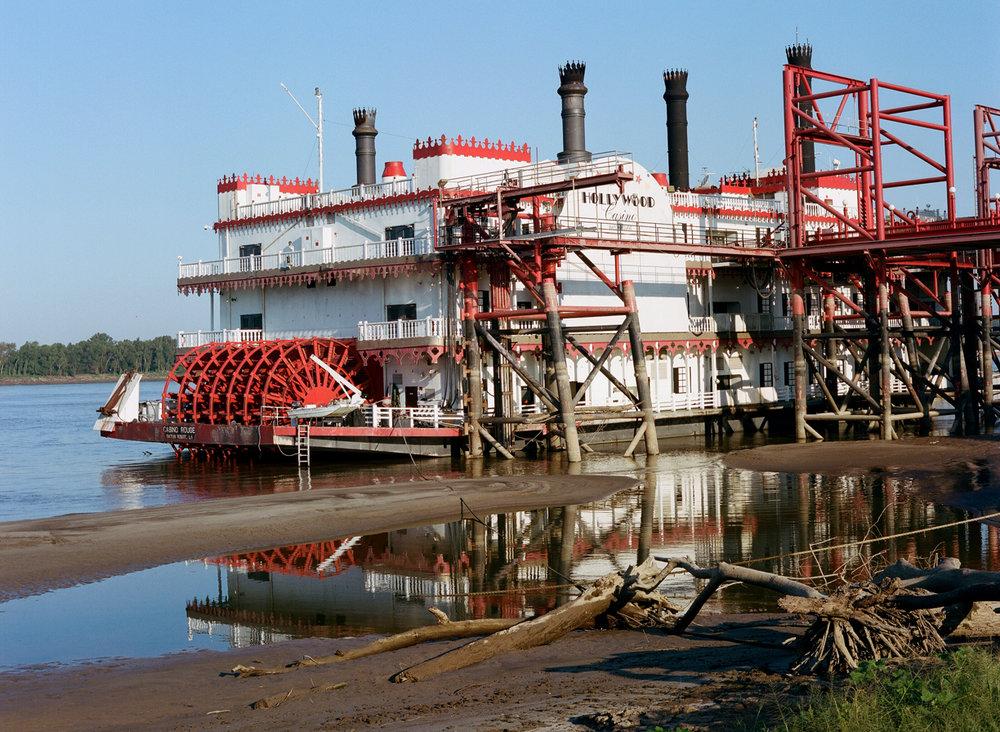Hollywood Casino Water Ferry Reflection_Docked_web.jpg