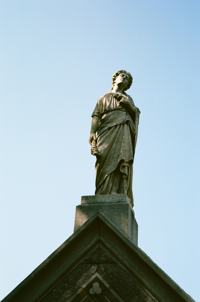 Statue at Lake Lawn Metairie cemetery_web.jpg