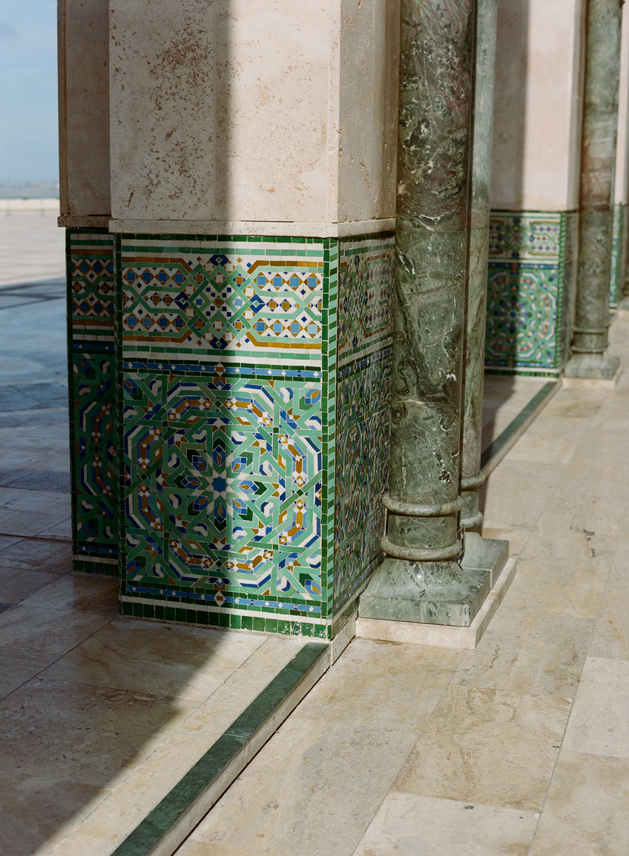 shadow on pillar and column at hassan mosque II_web.jpg