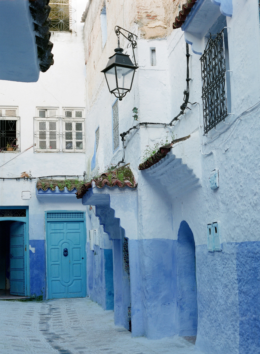 Lamp post and Blue Door in Medina_Chefchaouen_web.jpg