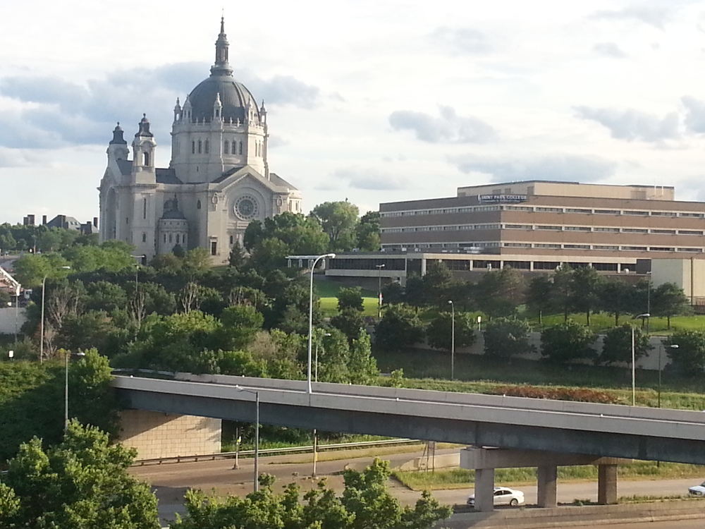 Saint Paul today ... imagine a network of bike paths connecting the city's neighborhoods, downtown, cathedral and state capitol. Mayor Chris Coleman does! (Source: MZimmerman, 2014)