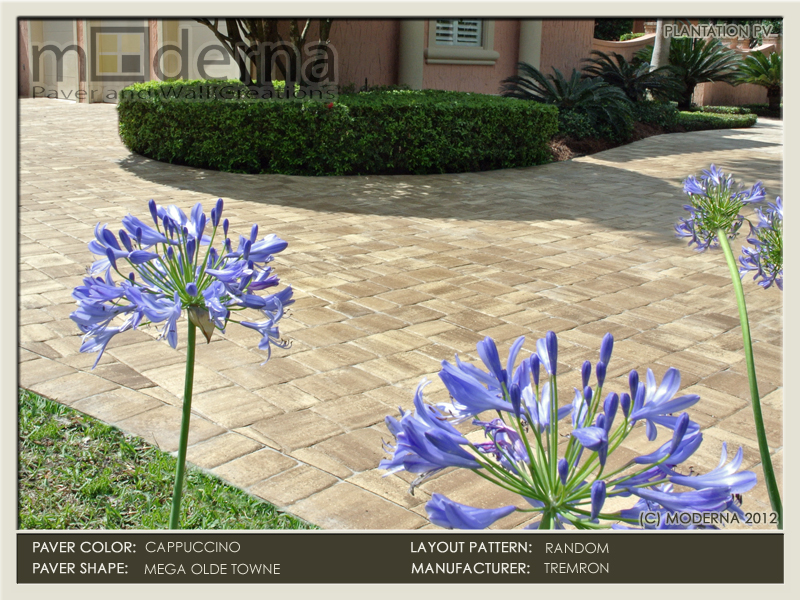 Large paver driveway in the Plantation Golf and Country club in Ponte Vedra FL. Mega Olde Towne pavers, Cappuccino color.