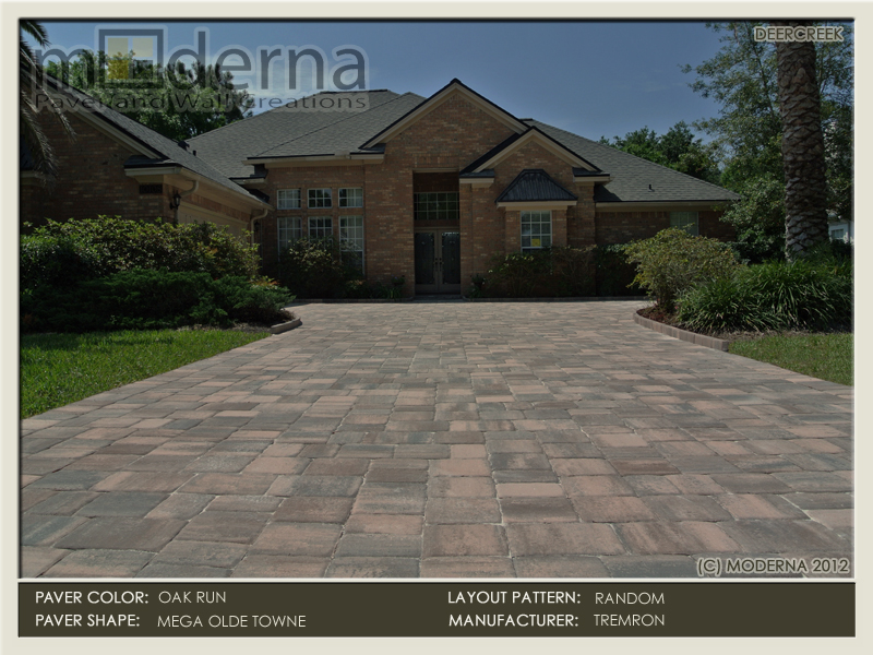 Paver driveway on a brick home in Deercreek Golf and Country Club in Jacksonville FL. Mega Olde Towne pavers in the Oak Run color.