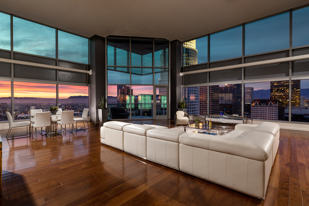 GS_Watermarke_Towers_PH_2_Living_Room_Twi.jpg