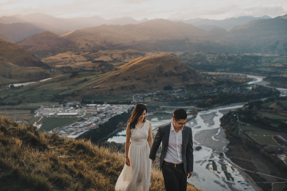 Queenstown Wedding Photographer | Walking above the Queenstown valley with the shotover river in the background