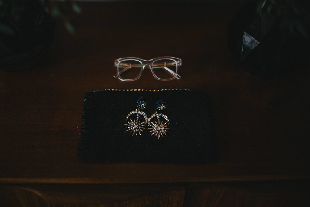 Hipster brides earings and details