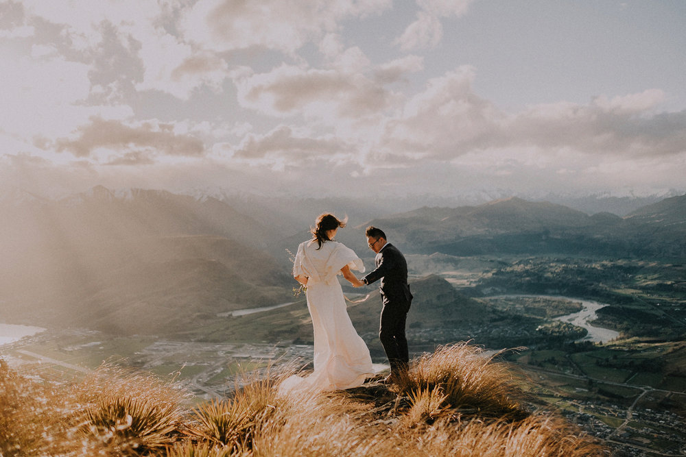 2 Day Session - —3x Payments of $990 NZD$2970 NZD total.Up to 6 hours coverage of your elopement or pre-wedding photoshoot spread over 2 days, so that you can visit more of the amazing locations New Zealand has to offer.—