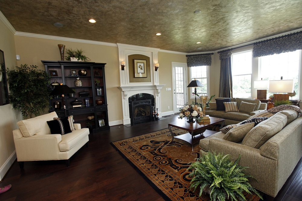 Homearama 2011 Family Room (pro).jpg