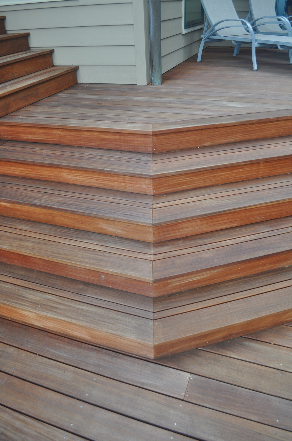 Boone/Jamison Residence, Detail of steps on rear Ipe deck.