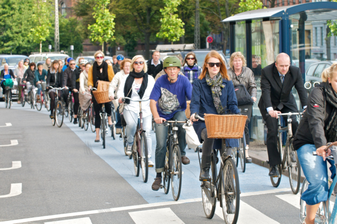 A critical mass of cyclists improves the safety for everyone. (Source)