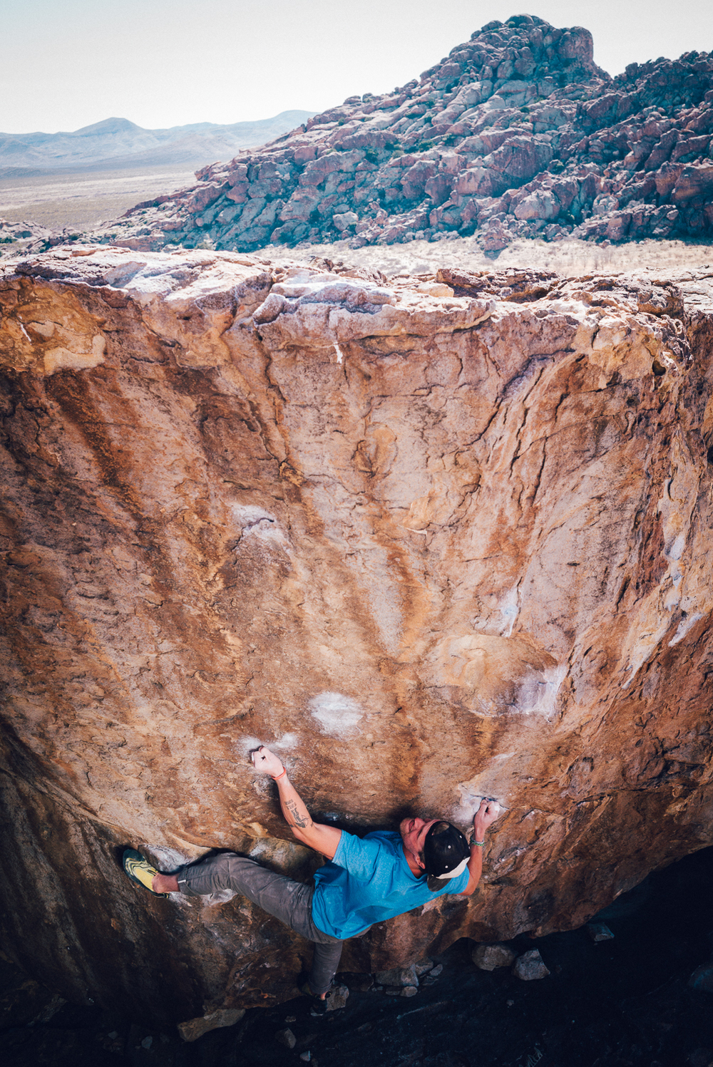 Brendan H., give Baby Face (v7) boulder a run. Michael Lim Photography 2015 ©