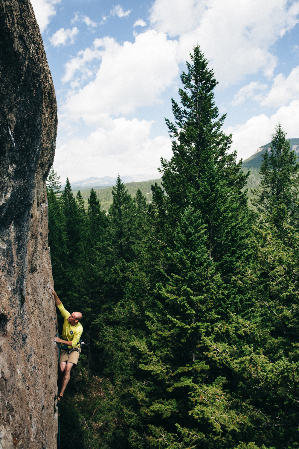 Erik Swanson sending The Cloud Peak Vista Traverse Company (5.11a) in Ten Sleep, Wyoming. Michael Lim Photography 2015 ©