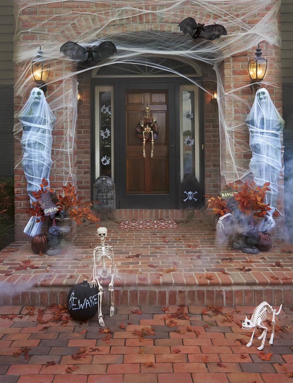 Scary_Indoor_outdoor (2).jpg