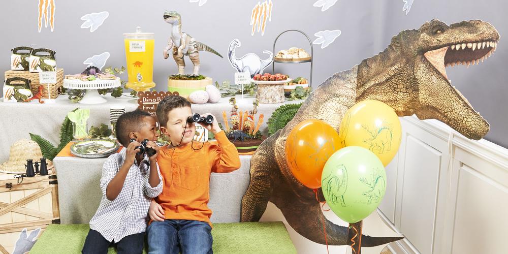 Dinosaurs_LS kids (2).jpg