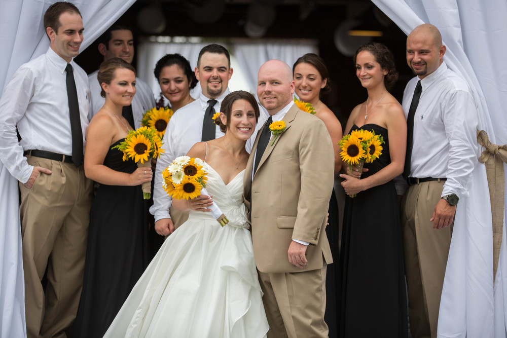 A nice barn wedding group photo