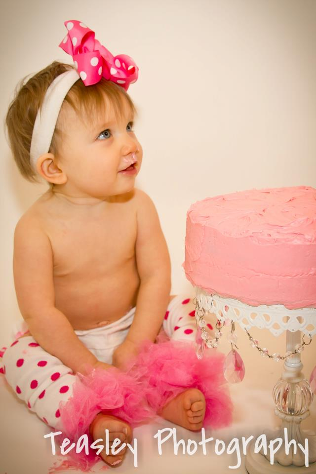 6 Tips for Your Next Cake Smash #Year1 with #BabyMadison