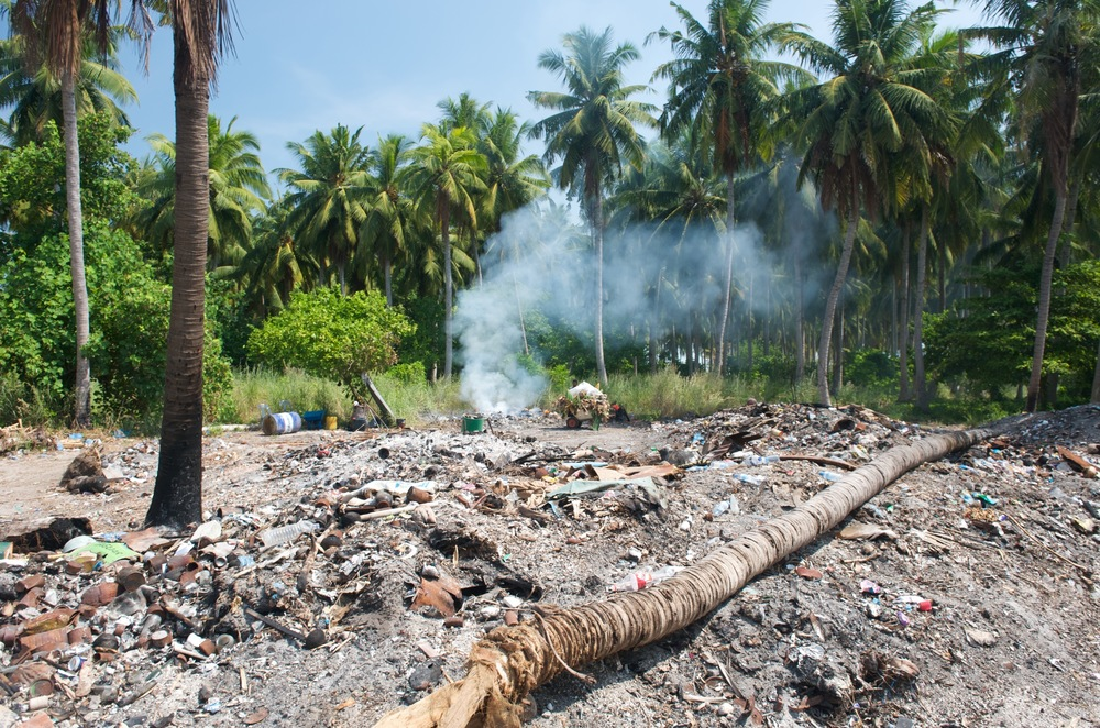 Takhle se ekologicky pali na Maledivach odpadky -o.jpg