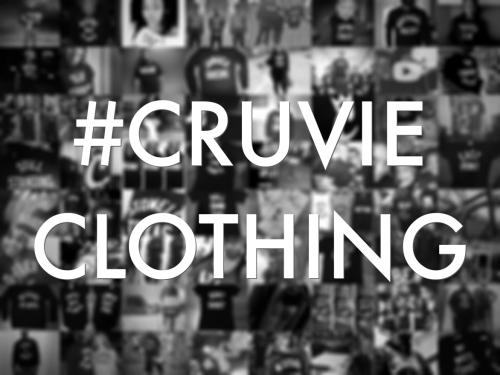 cruvie-button-burlap-hashtage.png