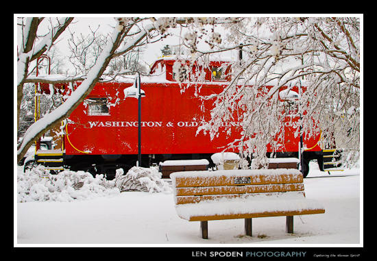 Vienna VA Photographer red caboose snow