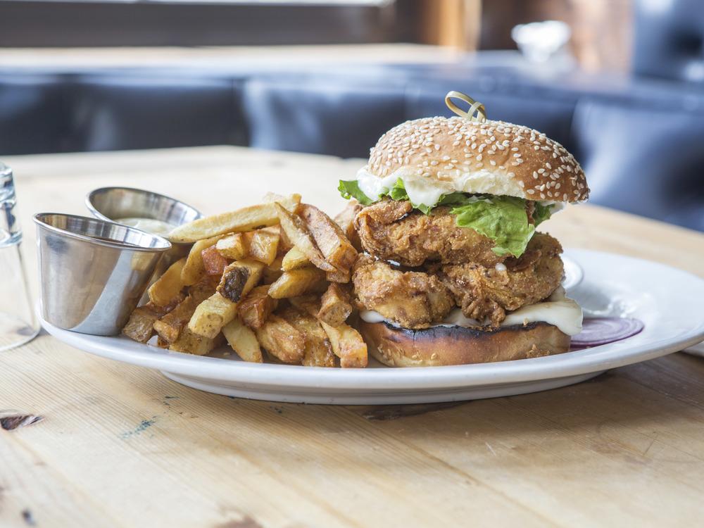 Allswell_Crispy Chicken Sandwich-17.jpg
