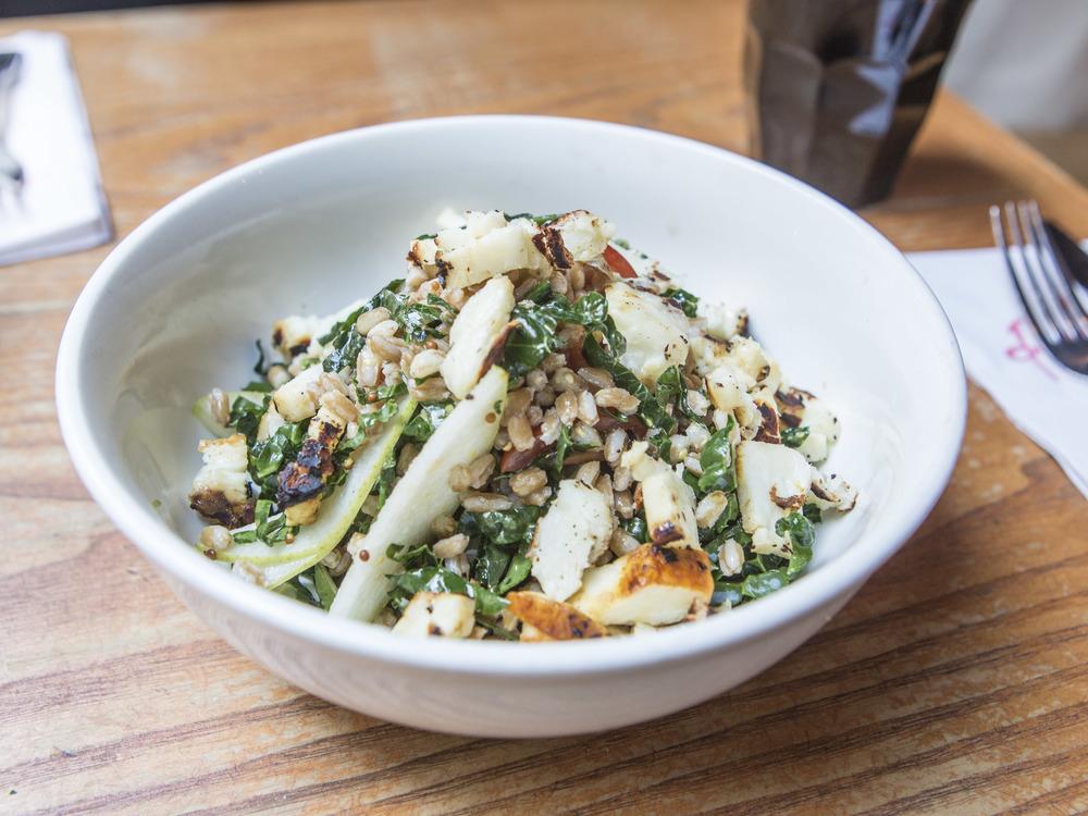 Ruby's Cafe_Farro & Haloumi Salad-23.jpg