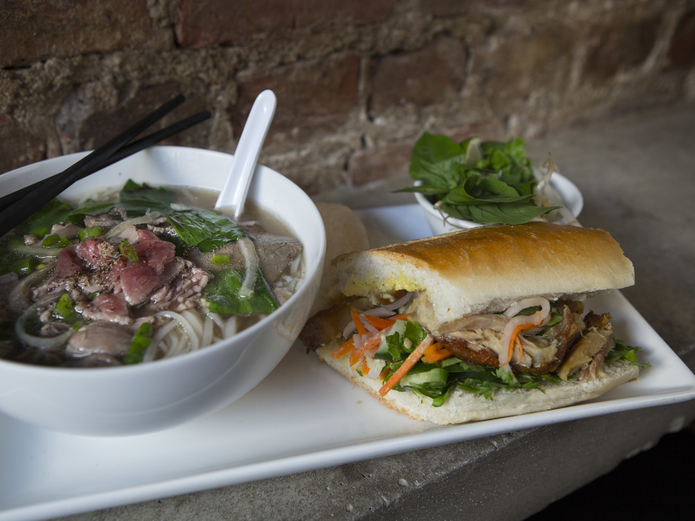 An Choi_Chicken Banh Mi and Beef Pho Combo-23.jpg