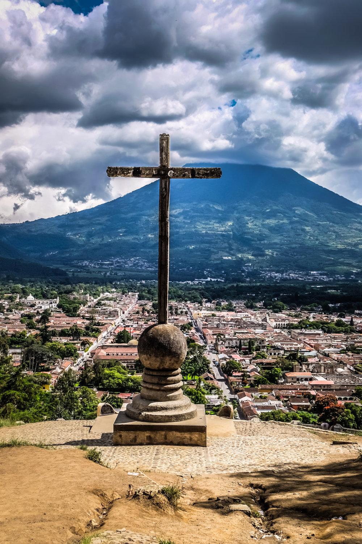 Cerro de la Cruz y Vulcán Agua, Antigua, Guatemala