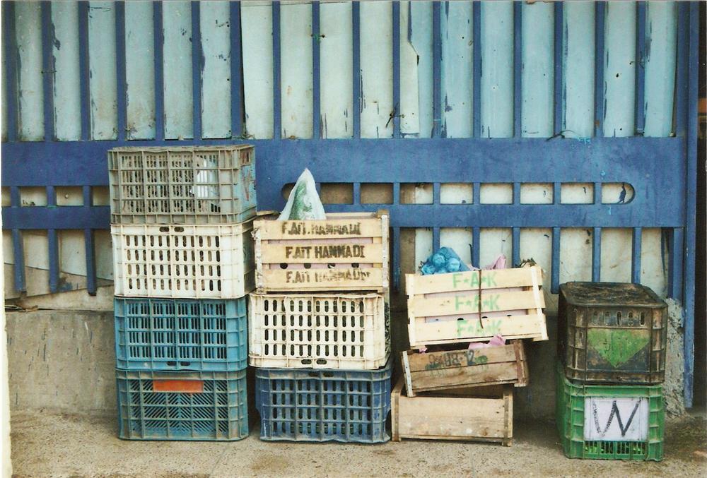Marche Agadir, les caisses bleues