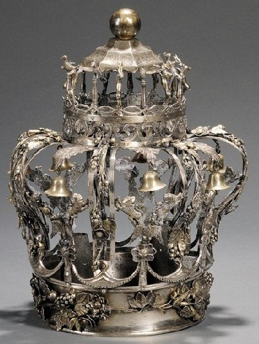 Silver-Torah-Crown-sold-by-Skinners-Auction-House-with-link-follow.jpg