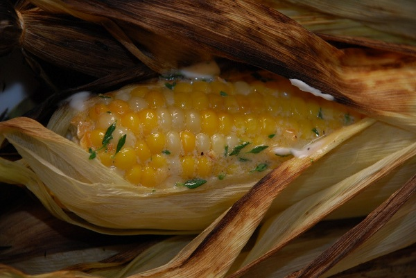 grilled-corn-on-the-cob-with-lemon-thyme-butter.jpg