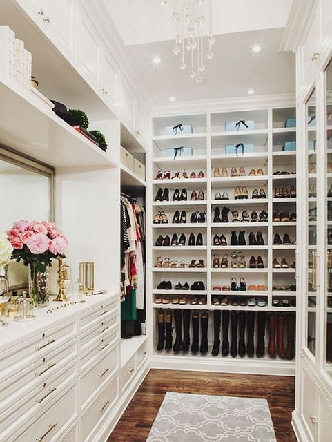 What Woman Would Want To Walk In Her Closet And See Her Shoes Displayed  Neatly!?
