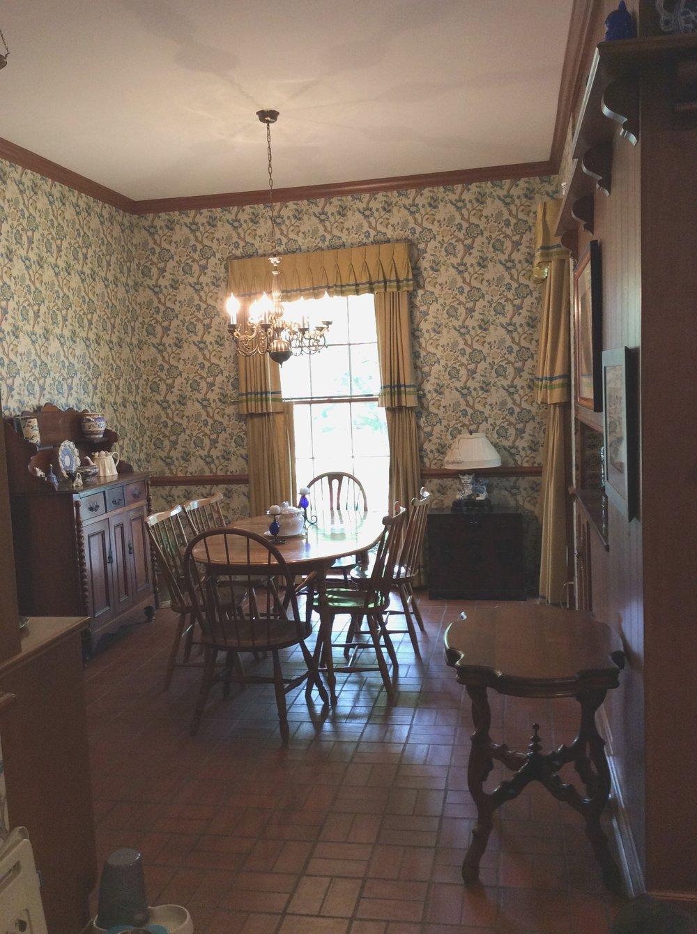Breakfast Room - Before