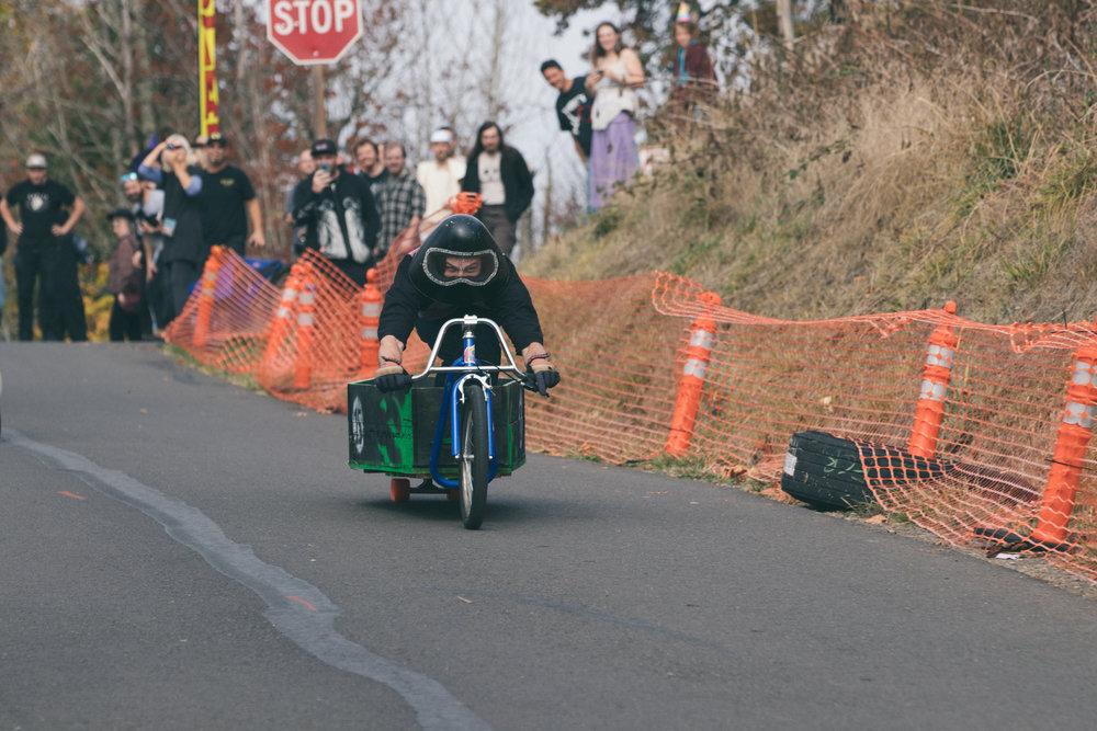 Coffin Races - 181027 - 4006.jpg