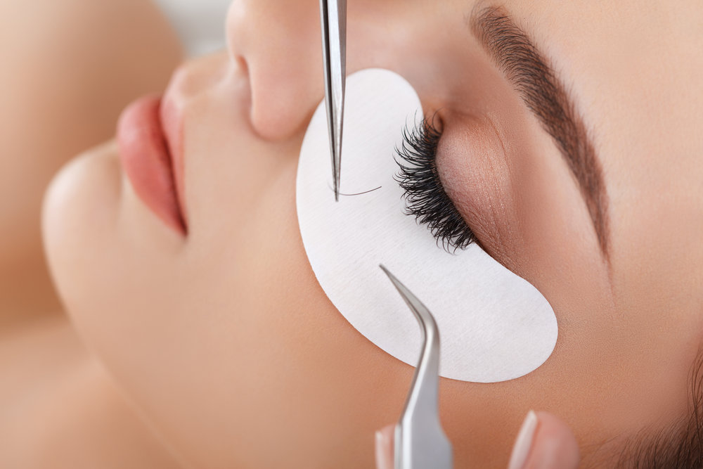 CUSTOM TAILORED LASH EXTENSIONS - Eyelash extensions are individual false lashes expertly attached to each eyelash with a special medical grade adhesive. This means it is one false lash, attached to one natural lash. They are expertly applied to the eyelash itself and are never in direct contact with your skin. Each lash extension range in length, thickness and curl shape.