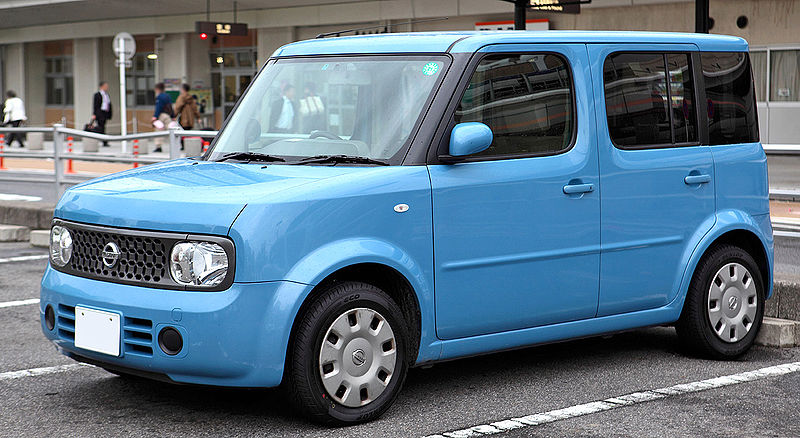 Second generation Nissan Cube (2002)
