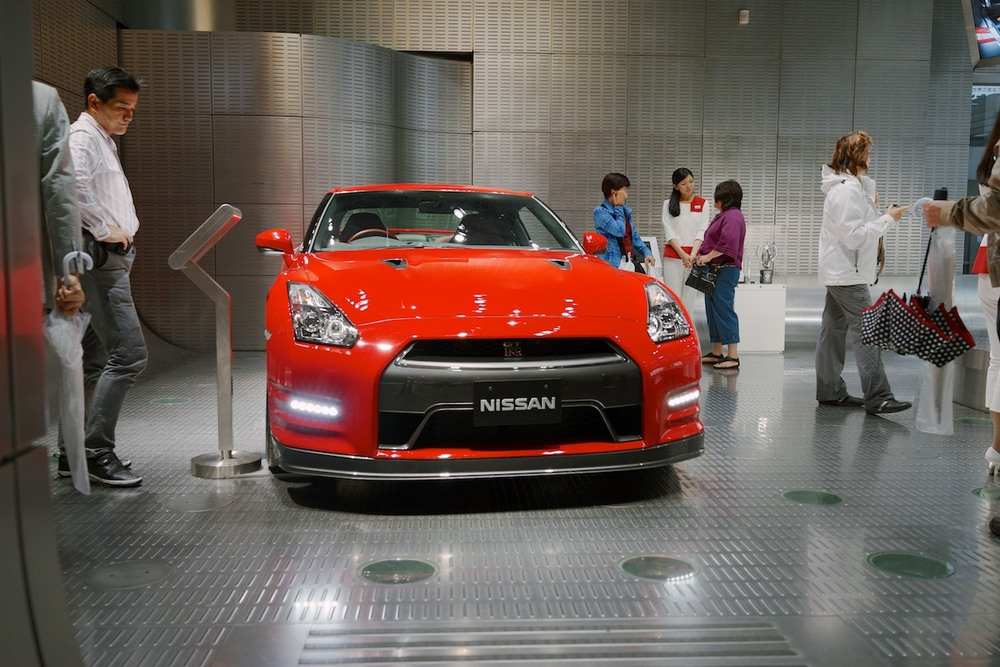 There's also a Nissan Gallery located in Ginza, though this one is only big enough to hold two vehicles.